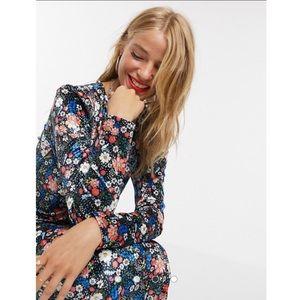 ASOS NWT Floral Velvet Long Sleeve Maxi Dress